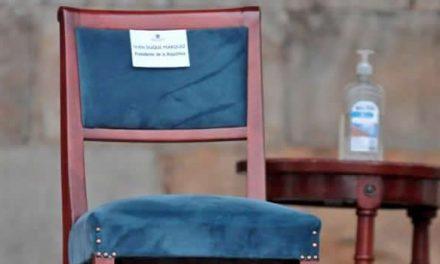 Acusan a Claudia López  de hacer política con víctimas por silla vacía de Duque
