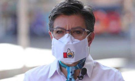 Solicitan investigar a Claudia López por aglomeraciones decembrinas