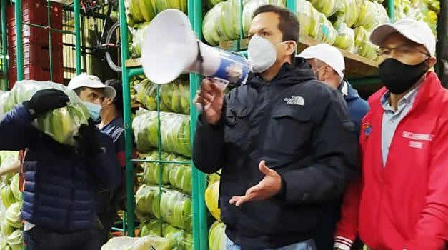 ¿Qué hacía el alcalde de Soacha  con un megáfono en Corabastos?