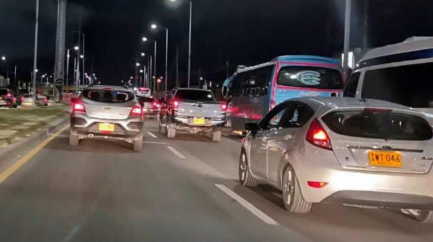 Atracan pasajeros en colectivo de Soacha