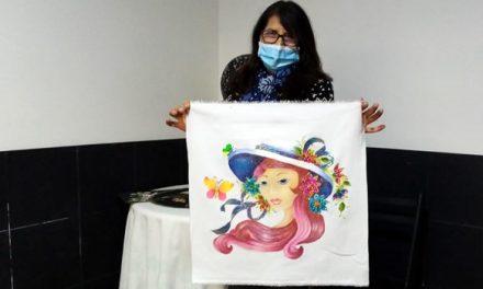 La docente y artesana  de Soacha que dicta talleres a adultos mayores en plena pandemia