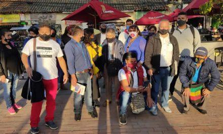 Víctimas de Soacha dicen que alcalde Saldarriaga los dejó plantados