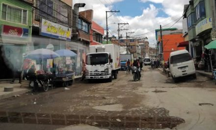 El sector de Soacha rodeado de modernas urbanizaciones y sin saneamiento básico