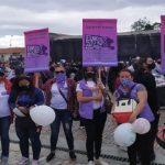 Mujeres desplazadas por la violencia buscan profesionalizarse