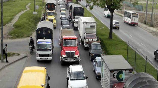 Vehículos particulares tendrán vía exclusiva por la Calle 13