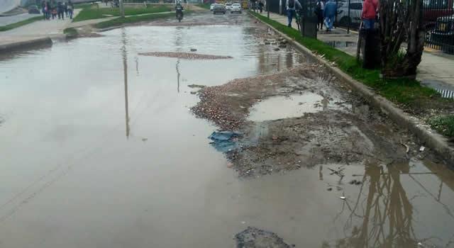 Comunidad denuncia pésimo estado de una vía en Soacha