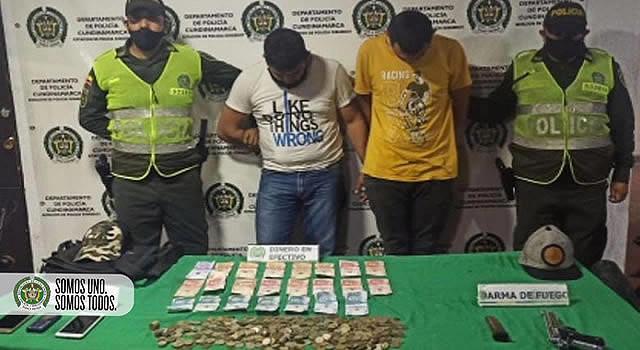 Capturan dos sujetos señalados de hurto a corresponsal bancario en Cundinamarca