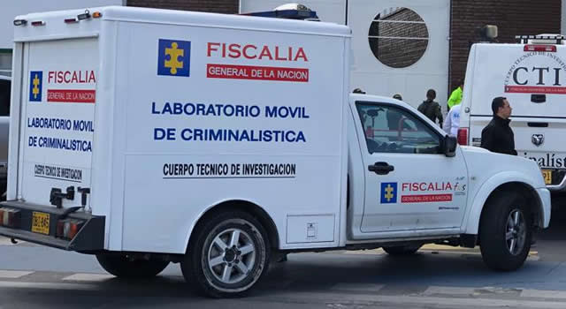 Fallece operario en Bogotá  tras caerle parte de las láminas que descargaba