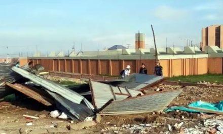 Avanza desalojo de 500 familias que habían invadido un lote de terreno en Soacha