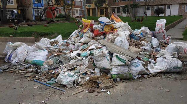 Recogerán escombros abandonados en zona pública de Soacha