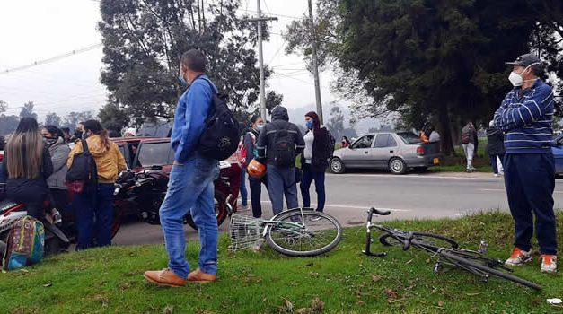 Plantón en Centro de Protección José Joaquín Vargas de Sibaté por demora en pago de salarios