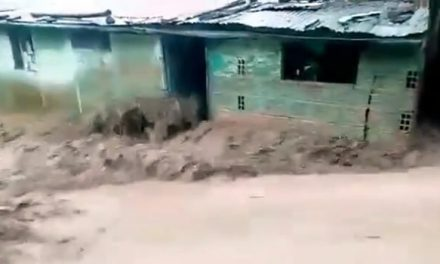 11 familias damnificadas por desbordamiento de quebrada en Usme