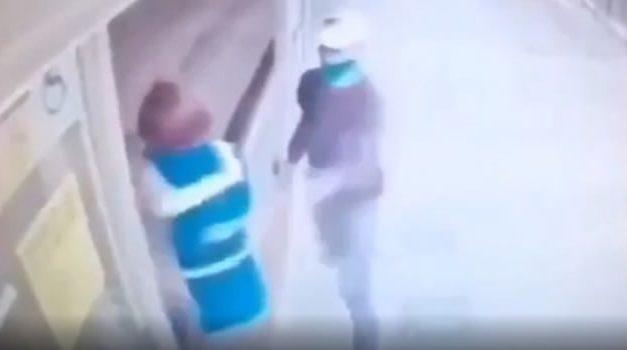 Así hirieron a una taquillera que fue apuñalada en medio de un robo en Transmilenio