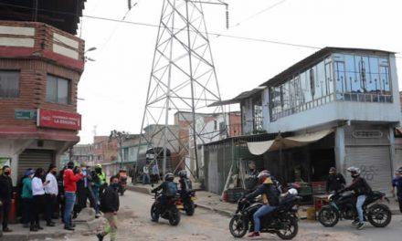 Esta es la torre de energía que tiene con dolor de cabeza al alcalde de Soacha