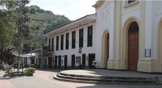 Roban 55 mil millones de pesos de cuentas bancarias de la Alcaldía de Útica