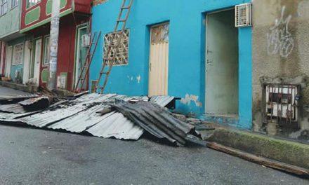 Vendaval dejó sin techo a viviendas de 7 barrios de  Bogotá