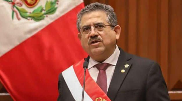 Tras cinco días en el poder, renuncia presidente del Perú