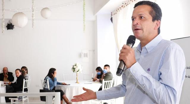 """""""Por el buen comportamiento de la gente, no habrá restricciones en Navidad"""": alcalde de Soacha"""