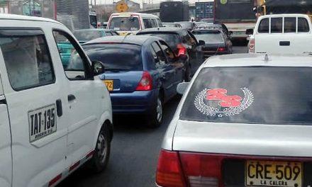No cesa la salida de viajeros por la autopista Sur de Soacha