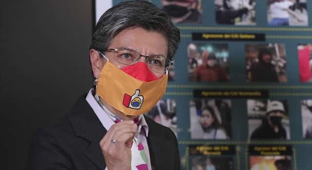 Alcaldesa de Bogotá revela cuándo quitará pico y cédula en la ciudad