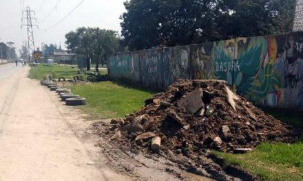 ¡El Colmo! Botan escombros en zona verde que comunidad había recuperado y embellecido en Soacha