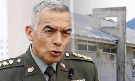 General Atehortúa se retira de la dirección de la Policía