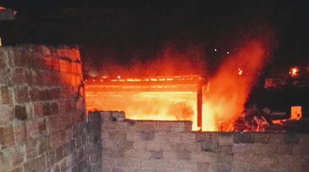 Explosiones e incendio despiertan a residentes de un sector de la comuna 6 de Soacha