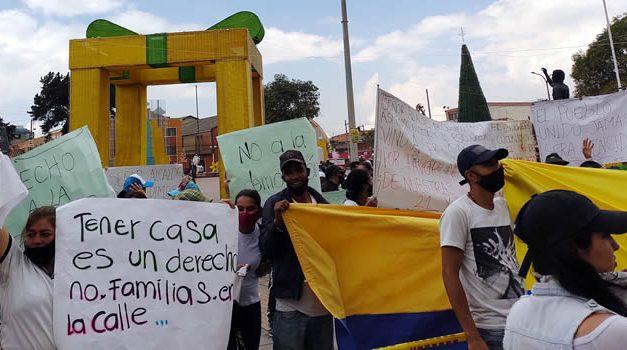 Aplazan orden de demolición de más de 50 viviendas en Soacha