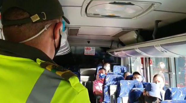 ¡Ojo¡, que no lo encuentren sin tapabocas en los vehículos que se movilizan por Cundinamarca