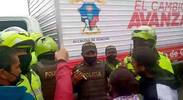 'Gresca' en operativos de desalojo a vendedores informales del parque de Soacha
