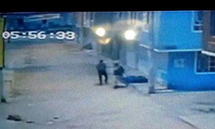 [VIDEO] En medio de un atraco en Soacha, hombre recibe dos tiros en su cuerpo