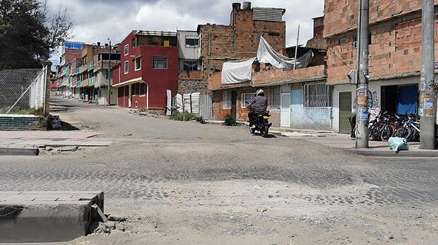 Vía que se abrió en el centro de Soacha ahora tiene con dolor de cabeza a sus residentes