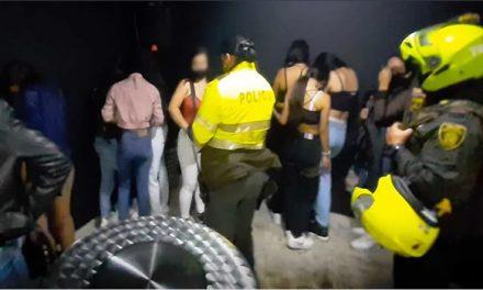 [VIDEO] En Bogotá encuentran 30 menores en fiesta clandestina