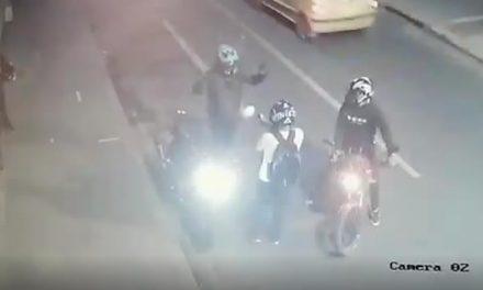 [VIDEO] Le roban la moto y le disparan en el estómago delante de su esposa