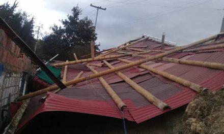 Sin techo varias viviendas por vendaval en el corregimiento uno de Soacha