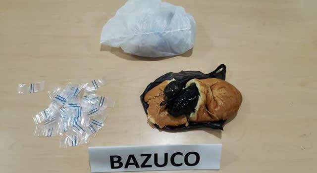 Entre un pan encuentran papeletas de bazuco en Cundinamarca