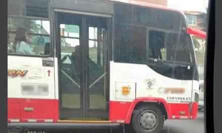 Señalan a conductor de ser cómplice de ladrones que atracaron bus en Soacha