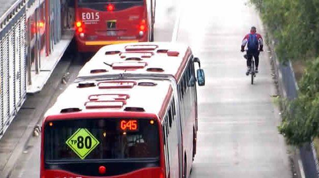 Freno a tránsito de ciclistas por carril de Transmilenio en Soacha
