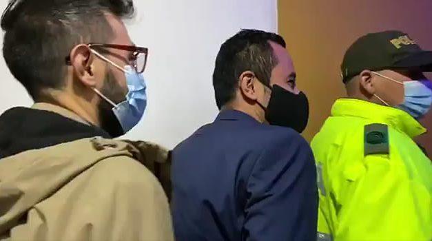 Encuentran a más de 200 personas en fiesta clandestina en Bogotá