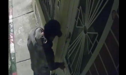 [VIDEO] Así es como los ladrones abren las puertas de las viviendas en Soacha