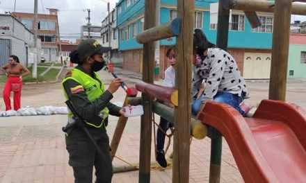 Comunidad, Ejército y Policía recuperan parque El Triángulo en Soacha