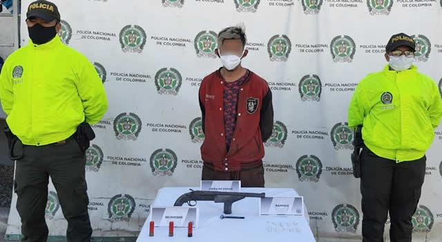 Capturan con arma de fuego a sujeto que delinquía en sector de autopista Sur de Soacha