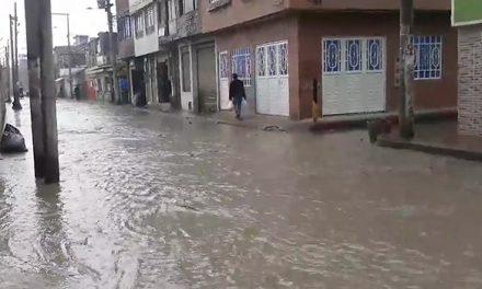 [VIDEO]  Casas y calles inundadas en Soacha por 'chambonadas' en trabajos de alcantarillado