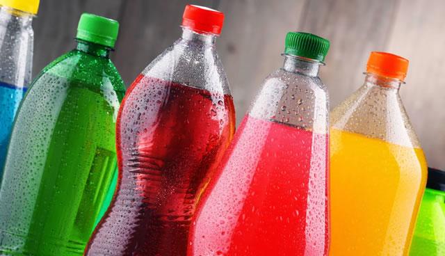 Distrito promoverá bajar el consumo de bebidas azucaradas en los colegios
