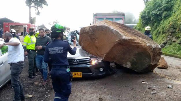 Las fotos que no vio del accidente en la vía Soacha-La Mesa