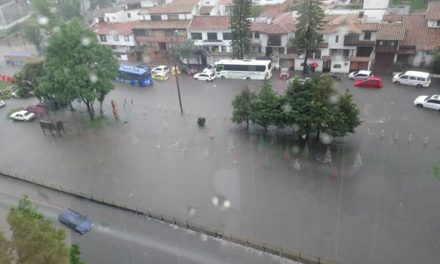 [VIDEOS] Torrencial aguacero y granizada esta tarde en Bogotá