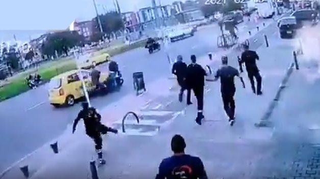 [VIDEO]  Así fue el asesinato del taxista que chocó a dos delincuentes en Bogotá