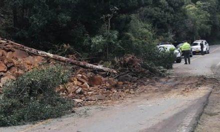 Bloqueos, deslizamientos y un siniestro vial en el inicio de la Semana Santa en Cundinamarca