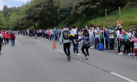 Grandes aglomeraciones para subir a Monserrate