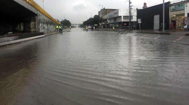[VIDEOS] Lluvias originaron emergencia en Bogotá, hubo tormentas eléctricas